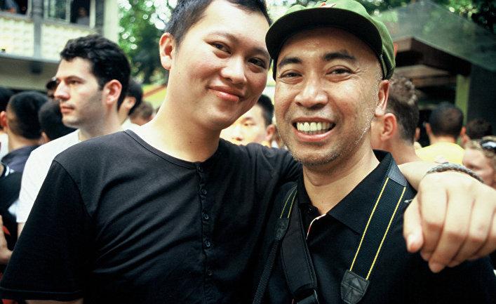 китая знакомство геев