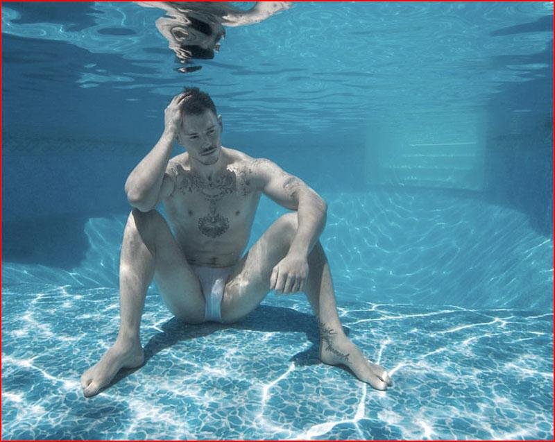 Kate Bellm's Underwater Photos Are The Virgin Suicides Meets Splash